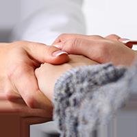 Fachkundige, individuelle Behandlung kundenspezifischer Beschwerden durch gezielte Abstimmung der Therapie